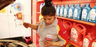 Fatma Altay Shell Türkiye'nin ilk kadın motor yağı uzmanı