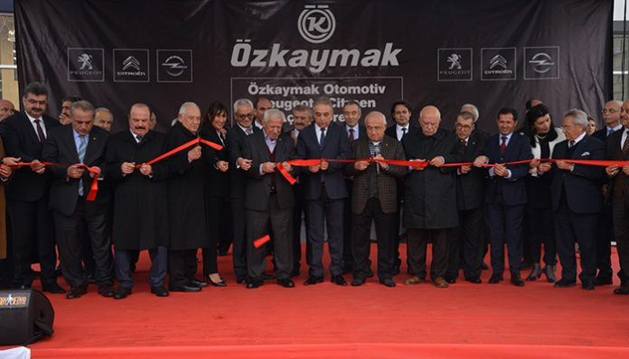 Groupe PSA Türkiye'nin ilk üç markalı bayisi Konya'da açıldı