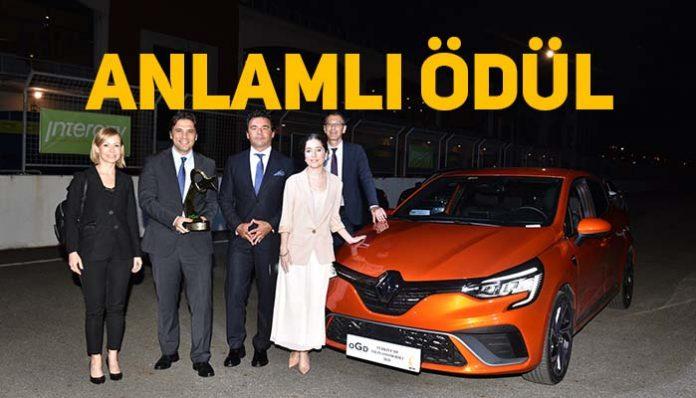 Yeni Renault Clio,25 aday otomobil arasından Yılın Otomobili seçildi!