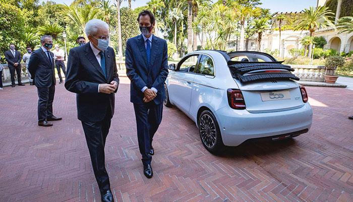İtalya Cumhuriyeti Cumhurbaşkanı Sergio Mattarella -  Fiat Chrysler Automobiles (FCA) Başkanı John Elkann