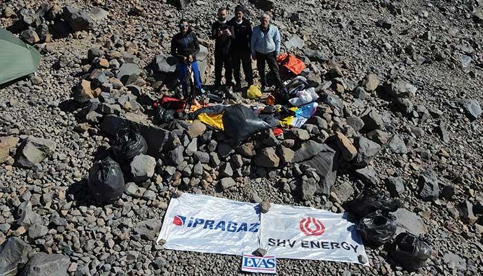 İpragaz Gönüllüleri, Ağrı Dağı'nın 4.200 metresinde atık topladı