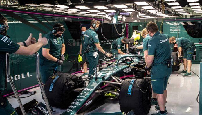 Sebastian Vettel ve Lance Stroll gelecek sezon Aston Martin ile yarışmaya devam edecek